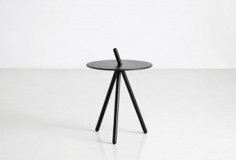 WOUD Come Here Side Table Black