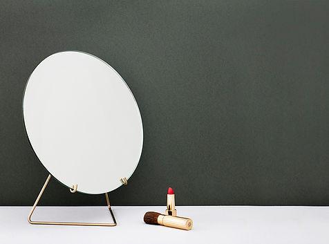 Moebe Spegel Standing Mirror Brass