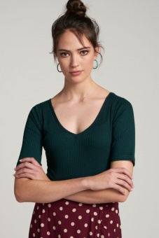 Carice V Top Tencel Rib Pine Green