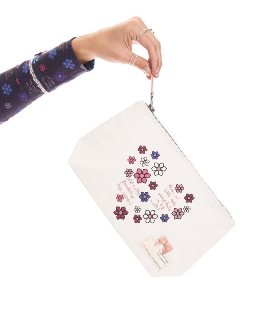 Daisy Manifest Makeup Bag - Light Chalk