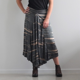 Lori Sahara triangle skirt