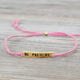 Be present - Gold/Pink