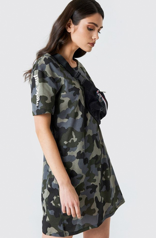 NA-KD - Camo T-shirt Dress Make Out