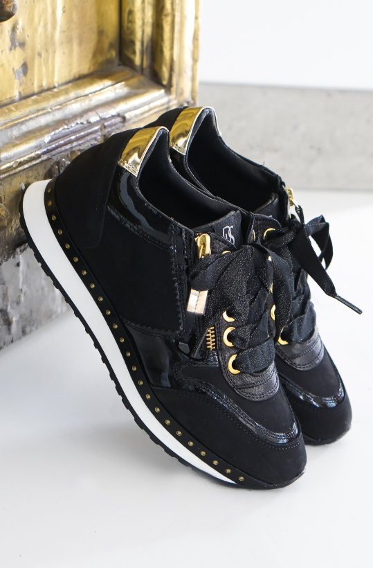 DL SPORT - Black Sneaker with Gold Studs
