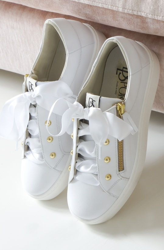 DL SPORT - White Sneaker with Gold and shiny White Ribbons