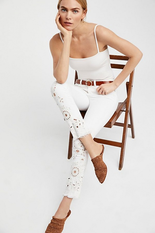 FREE PEOPLE - White Cutwork Cigarette Jeans