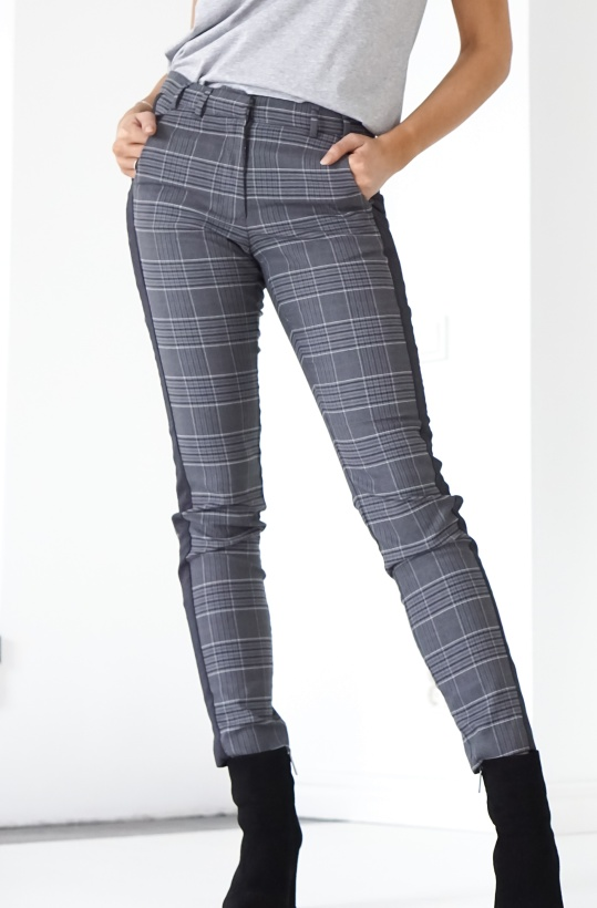 GUSTAV - Checked pants with embroidery