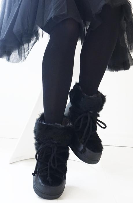 IKKII BOOTS - Rabbit Low Black