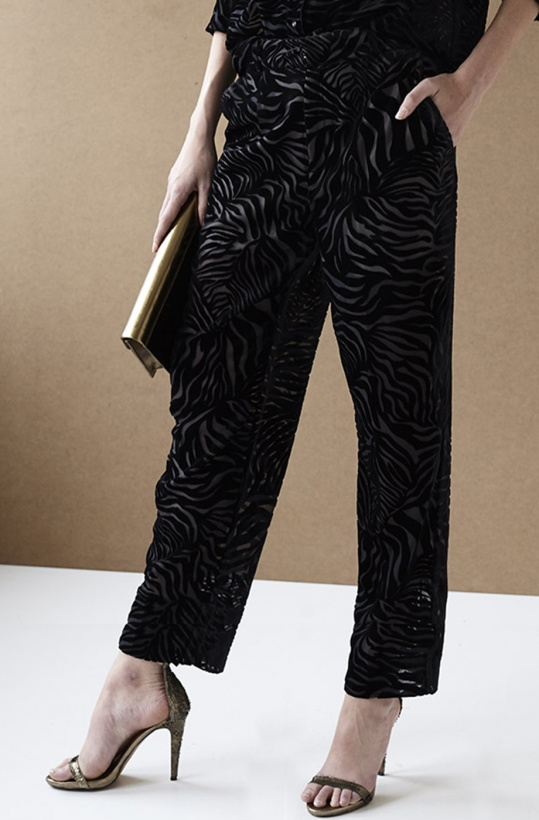 INTROPIA - Pants black Velvet Zebra