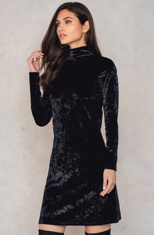 NA-KD - High Neck Velvet Dress