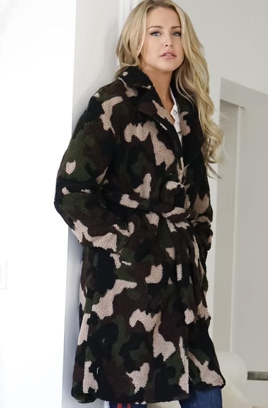 NA-KD Camo Teddy Coat