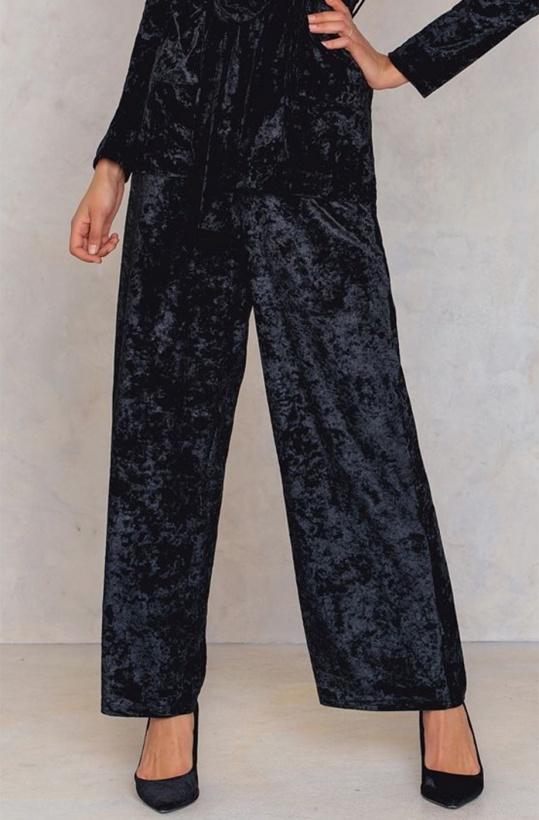 NA-KD - Velvet Flare Pant Black
