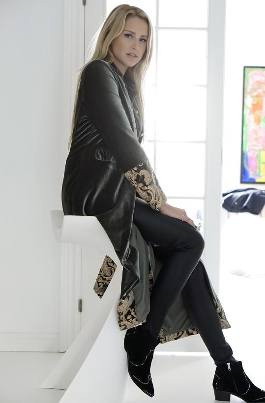 NKN - Danna Coat