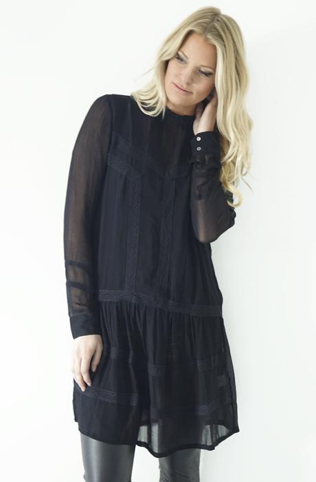 NEO NOIR - Corinne Dress
