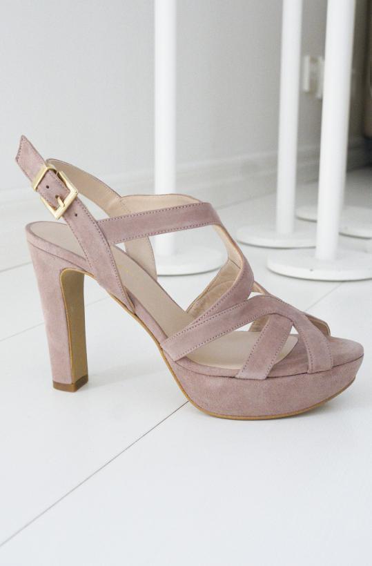 NOME - Sandalett med remmar