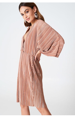 NA-KD - Kimono Pleated Dress