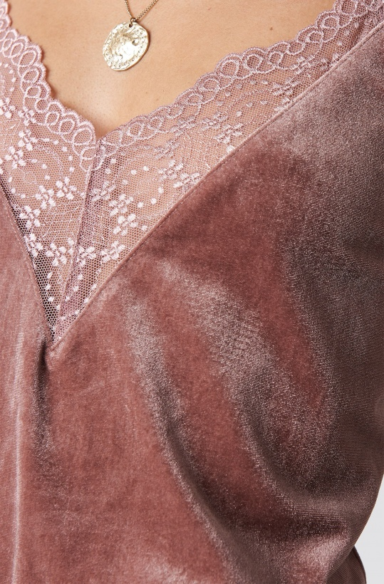 RUT & CIRCLE - Velvet Lace SInglet