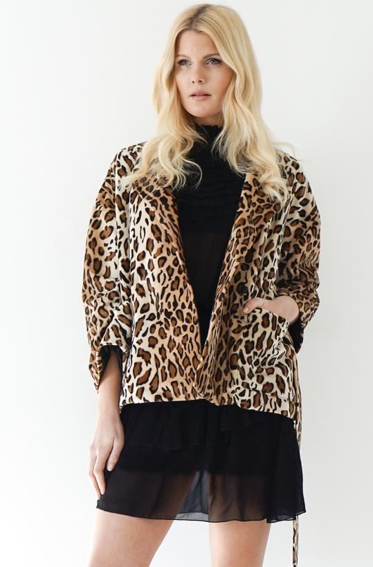 STAND - Aria Leo Coat