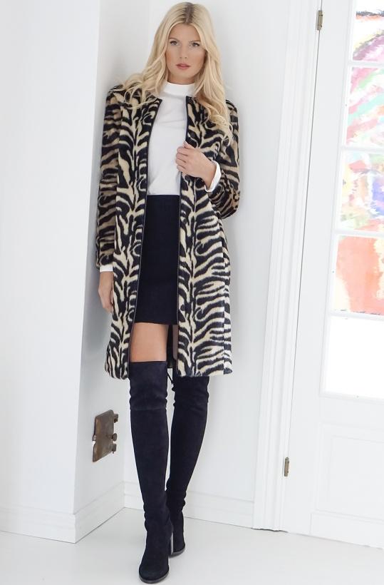 STAND - Claire Zebra Coat