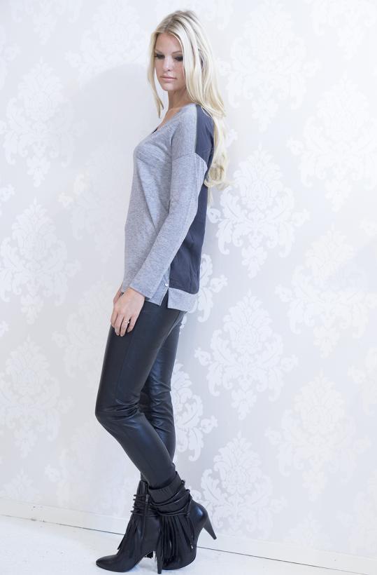 YERSE - Grey V-neck