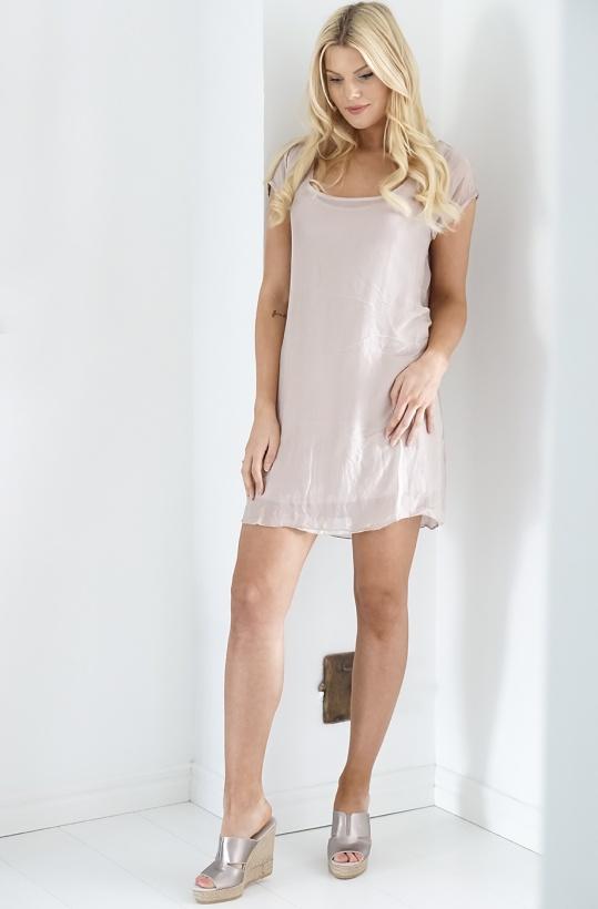 AJLAJK - Klänning i T-shirt modell