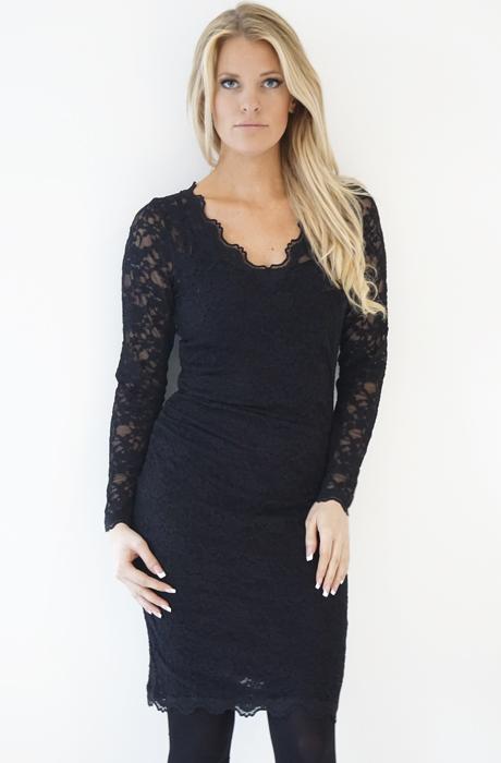 ROSEMUNDE - Långärmad spetsklänning