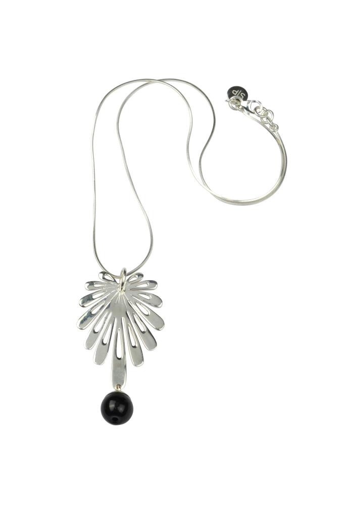 DECO FLOWER NECKLACE SILVER BLACK ONYX
