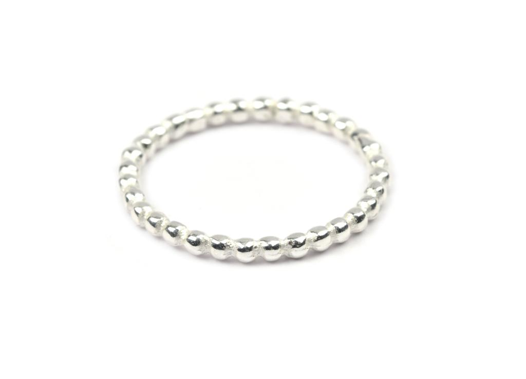 Syster P | TINY DOTS RING SILVER