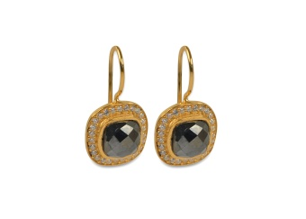 CLASSY EARRINGS GOLD HEMATITE