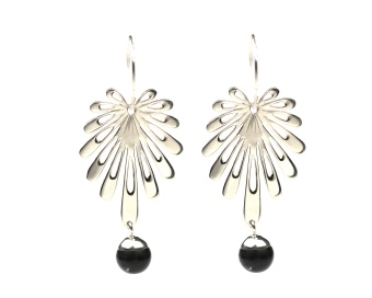DECO FLOWER EARRINGS SILVER BLACK ONYX