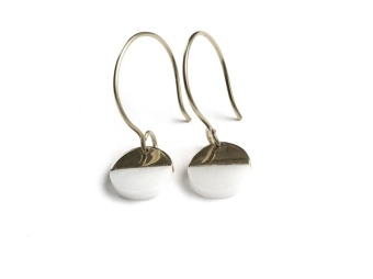 DIXXI EARRINGS, WHITE AGATE