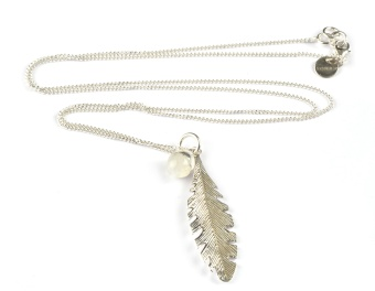 FEATHER NECKLACE SILVER MOONSTONE