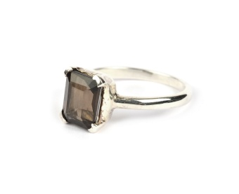 LITTLE GRACE RING SMOKEY S