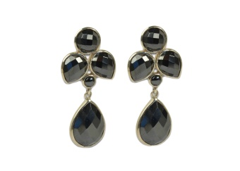 MISS DIVA DANGLING EARRINGS SILVER HEMATITE