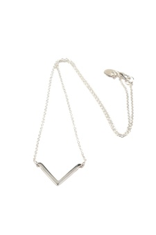 STRICT SIMPLE V NECKLACE SILVER