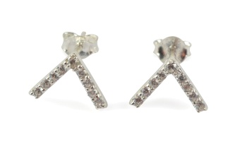 STRICT SPARKLING V EARRING SILVER