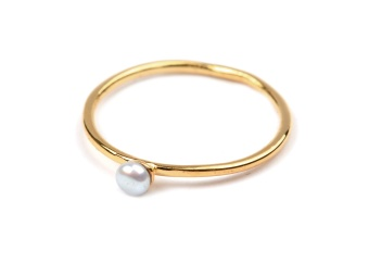 TINY PEARL RING GOLD