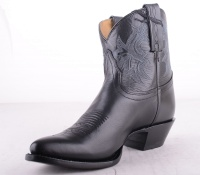 6000L Black Low Boot