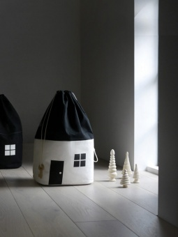 House nr 1 - Rock and Pebble
