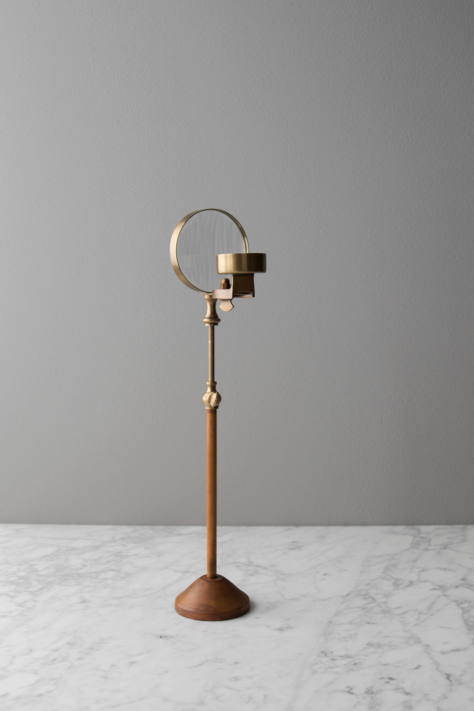 Magnifying Candle Holder S