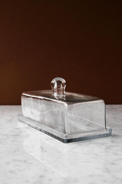 Smör/ostkupa av Glas
