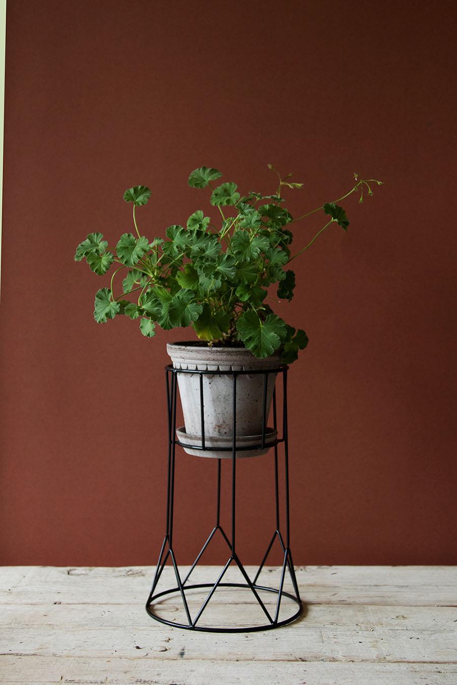 piedestal flora svart h g. Black Bedroom Furniture Sets. Home Design Ideas
