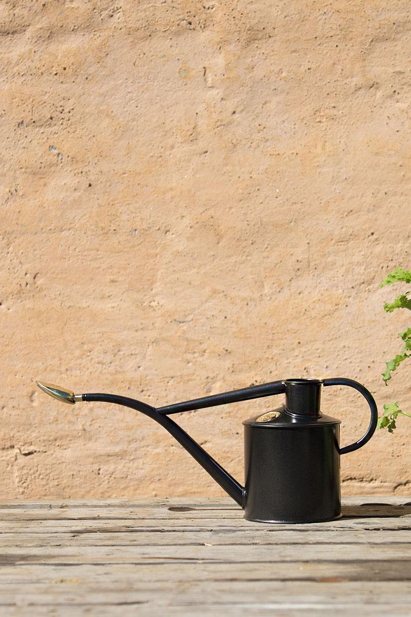Vattenkanna 1 Liter Mörkgrå