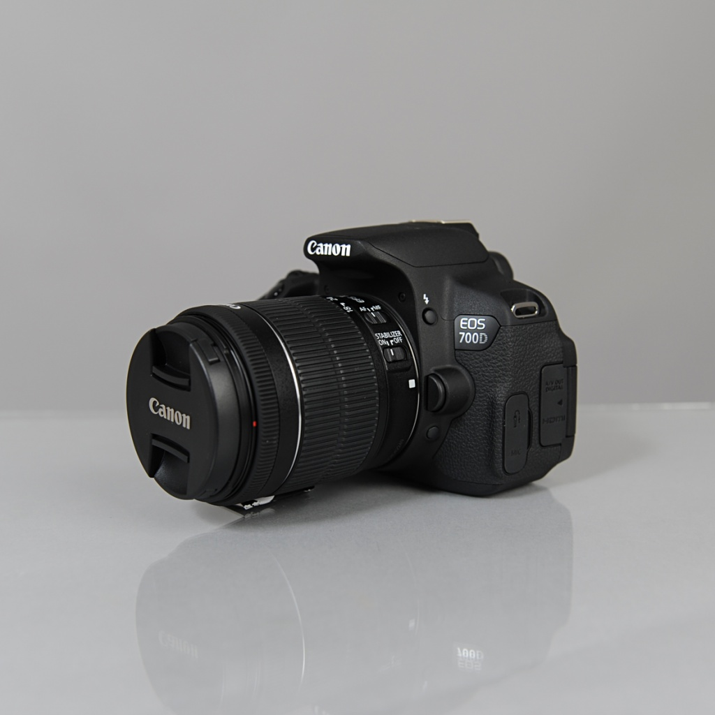 Canon EOS 700D EF-S 18-55 IS STM