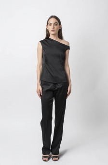 Chika top black