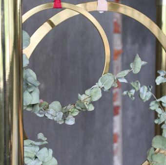 Wreath by Cooee Design, stor