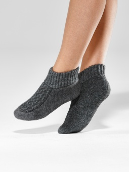 Ladies slippers, Wool Blend Cable Slipper