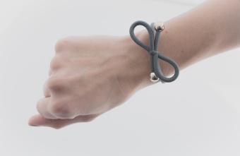 Ia Bon Snodd Armband Ljusgrå