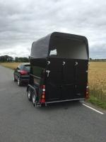 Anssems Hästvagn PTH 2300 Ganador - vit/svart metallic