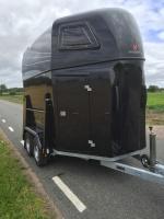 Anssems Hästvagn PTH 2000 Excelente - svart metallic